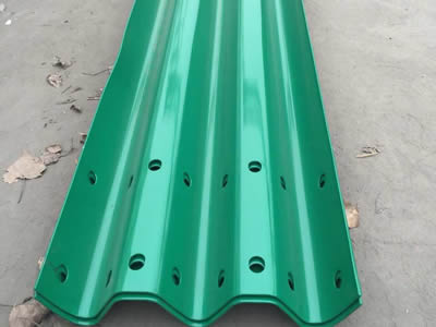 Thrie Beam Highway Guardrail Offers Superior Performance