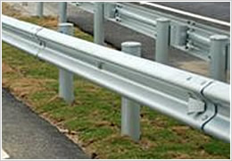 Highway Guardrail with Waves Types Use in Highway and Bridge